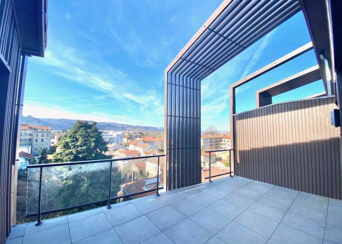 Achat appartement luxe valence cœur de ville; grand balcon; vue sur la ville de Valence