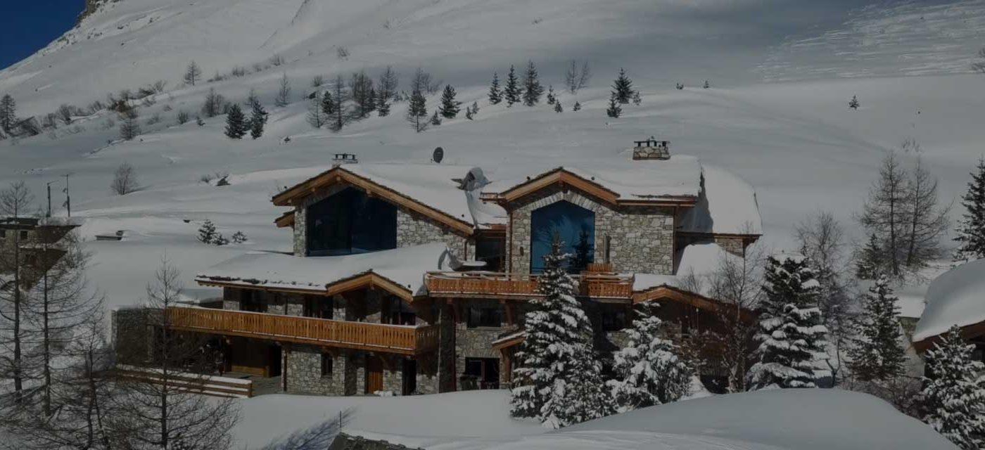 location chalet prestige; Orca&Orso; vue panoramique sur les Alpes Françaises; chalet somptueux et spacieux; charme rustique; grand standing
