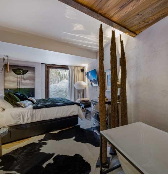location chalet prestige; Orca; vue panoramique sur les Alpes Françaises; vue unique; chalet somptueux et spacieux; charme rustique; design;chambre avec salle de bain